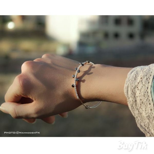 دستبند نگین دار برند vonly