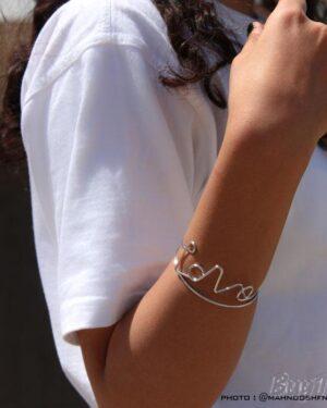 دستبند طرح love برند vonly