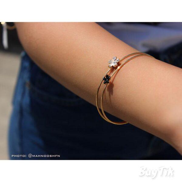 دستبند شکوفه ای برند vonly