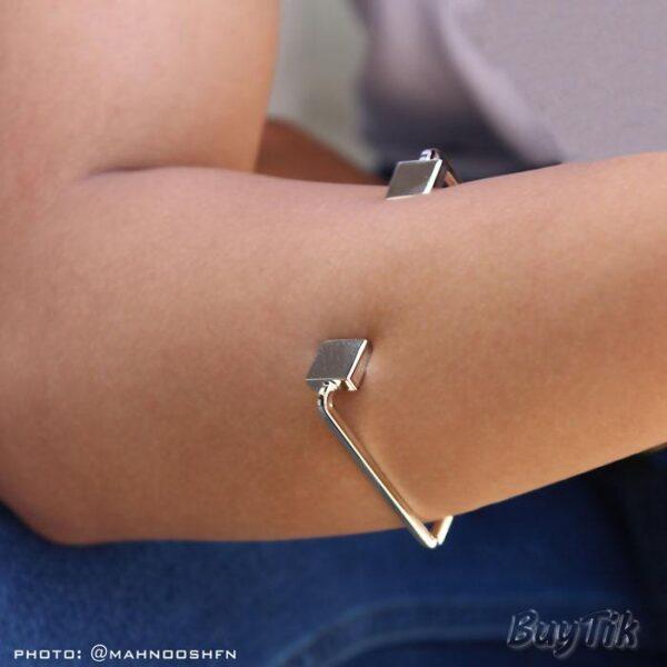 دستبند مستطیلی برند vonly