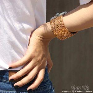 دستبند چرم نگین دار